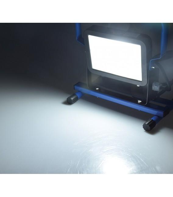 LED Baustrahler 30W mit Steckdose+USB Bild 4 Vorschau