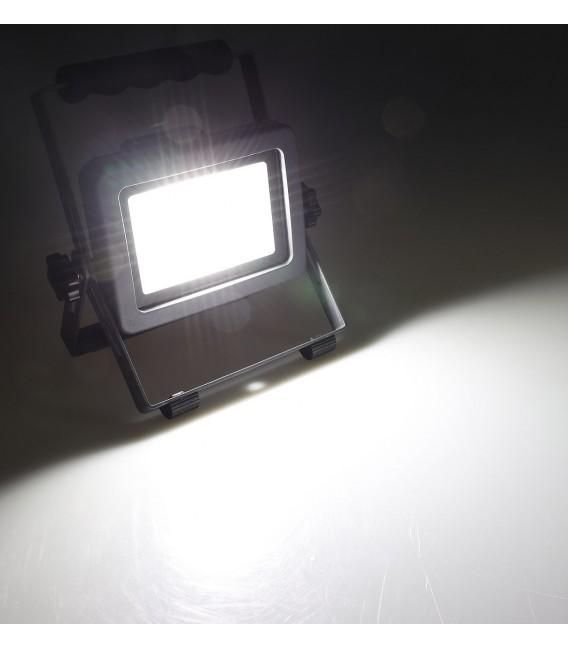 "LED Baustrahler mit Akku ""BS-30 pro"" Bild 3 Vorschau"